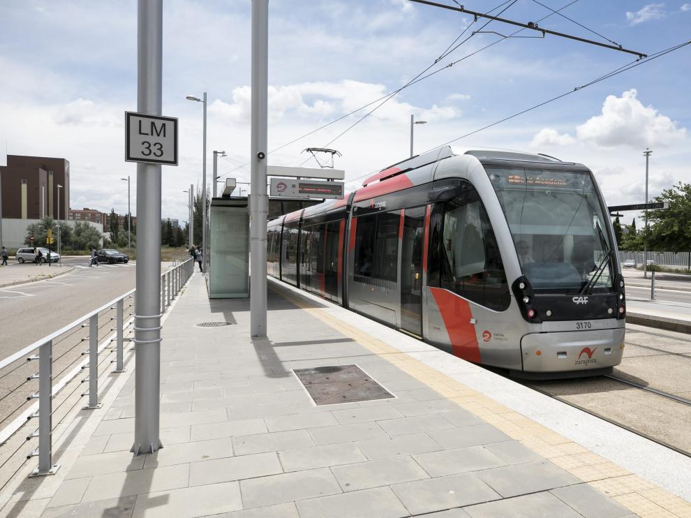 El Ayuntamiento refuerza la señalización del tranvía