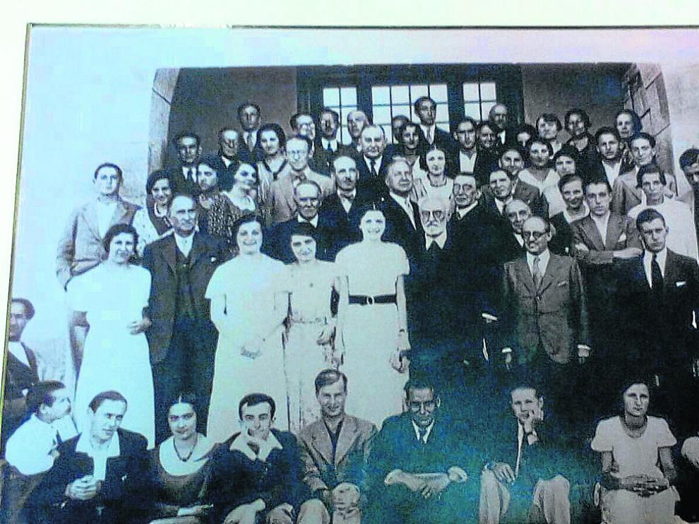 En Jaca, 1932. Unamuno con sus alumnos de los Cursos de Verano.