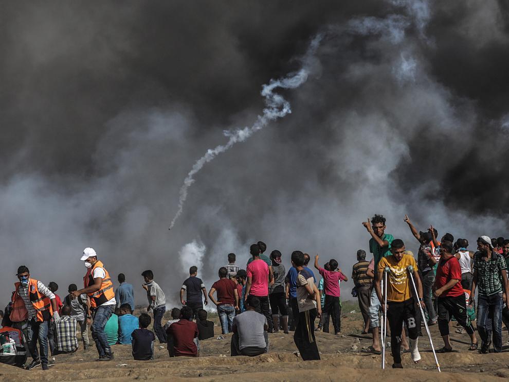Decenas de manifestantes en Gaza.