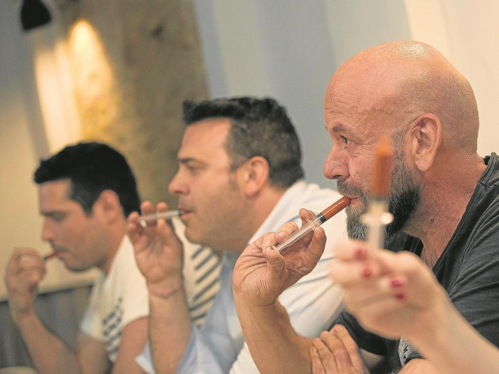 Algunos de los contendientes del concurso de picante cuya primera eliminatoria se celebró el pasado jueves en el Entresabores.