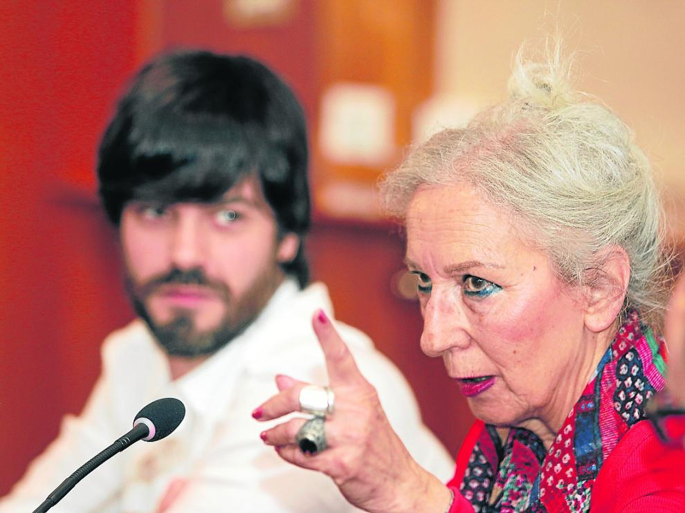 Teresa Ramón, en la presentación de 'Carrasca' junto al director de la película, Alejandro Cortés.