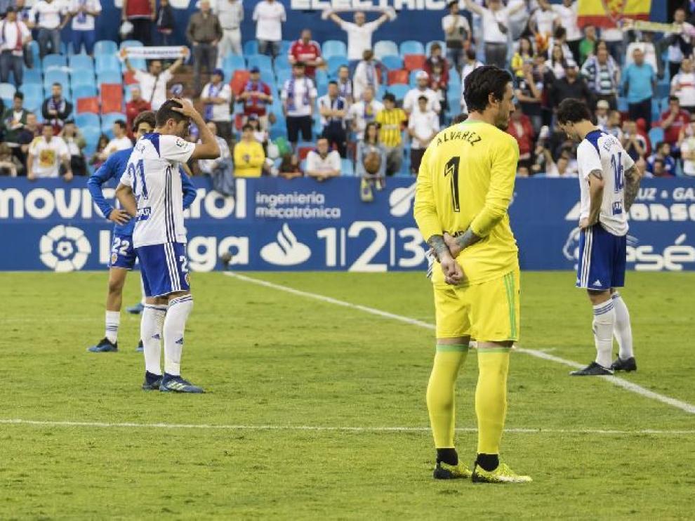 Cristian Álvarez, a la conclusión de último partido del curso ante el Numancia, bajo los efectos de la decepción de la eliminación inesperada en la promoción.