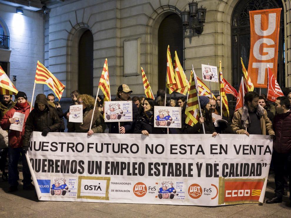 Trabajadores de Iberalbión en una concentración en Plaza de España hace dos años en defensa del empleo