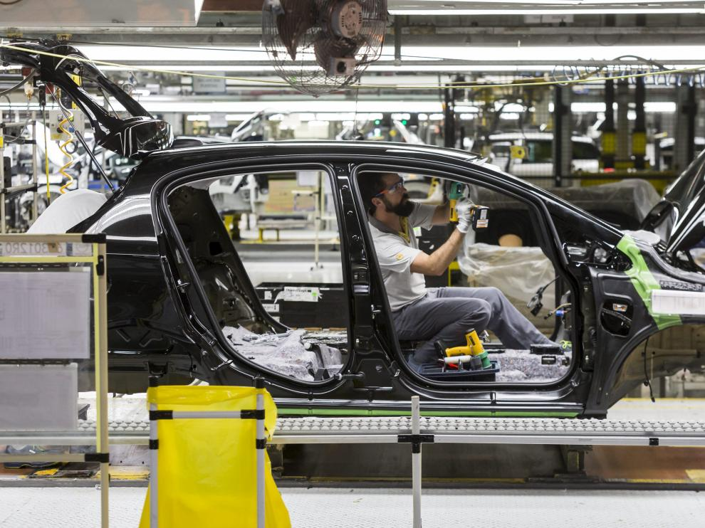 Los trabajadores de Android prestan sus servicios dentro de la factoría zaragozana de Opel