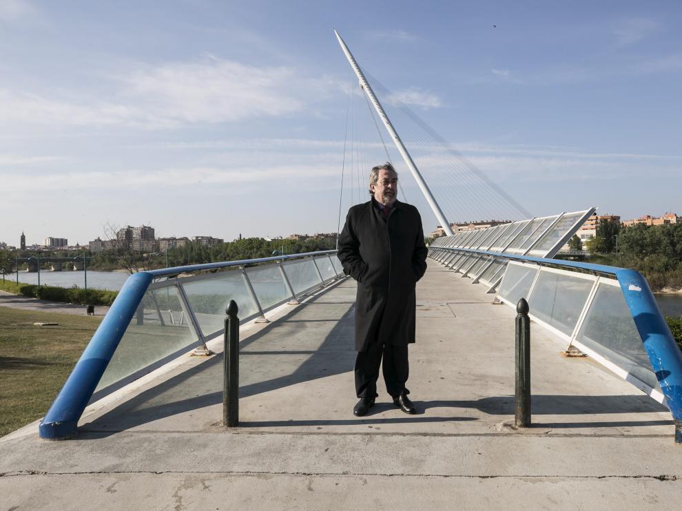 Juan Alberto Belloch, que fue alcalde entre 2003 y 2015, en la pasarela del Voluntariado.
