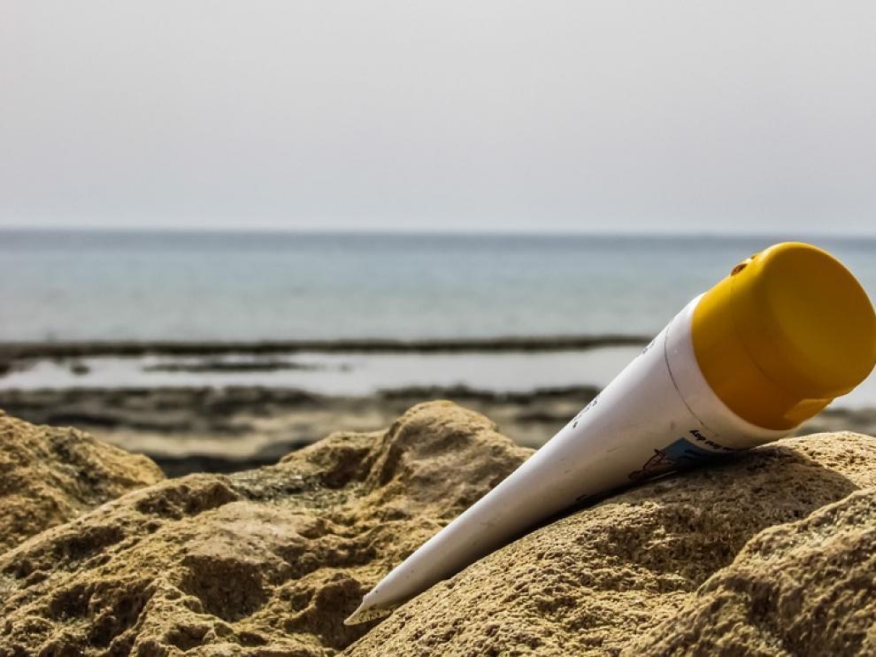 Ni siquiera las cremas de factor 50 protegen totalmente de la radiación ultravioleta.