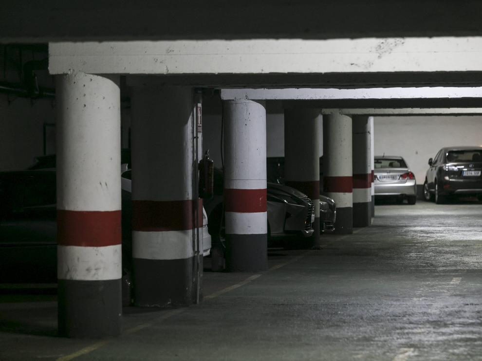 Garaje de la calle de la Sagrada Familia, en Casablanca, cuyo recibo del IBI se ha duplicado.