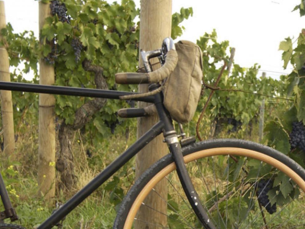 Luciano Berruti, homenajeado en la IV Biciclásica Edoardo Bianchi de Campo de Cariñena.