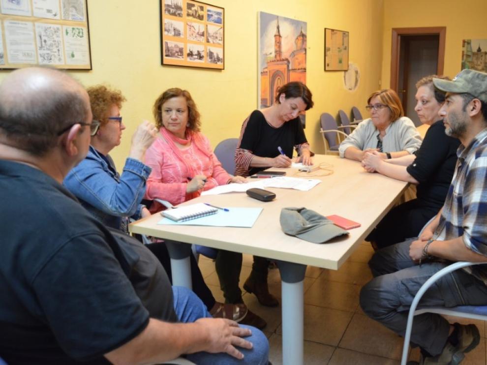 Reunión de las asociaciones vecinales Lanuza-Casco Histórico y Parque Bruil-San Agustín