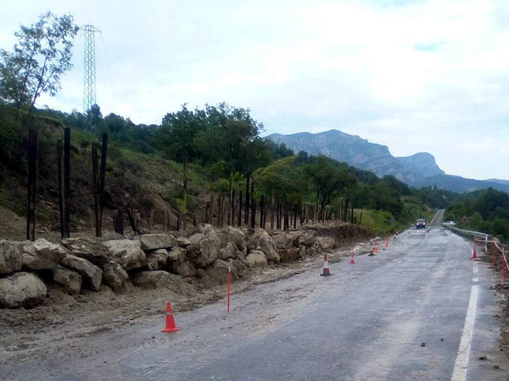 La DPH abre la circulación entre Torre la Ribera y Villacarli tras reparar los daños de un deslizamiento.