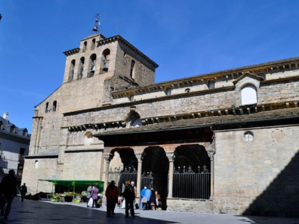 La catedral de Jaca, rebautizada en honor a San Pedro de Cepeda, de OT... según Wikipedia