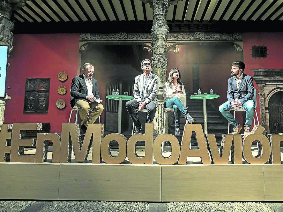 Fumanal, López, Romanos e Yranzo, en el centro Ibercaja Patio de la Infanta en Zaragoza.