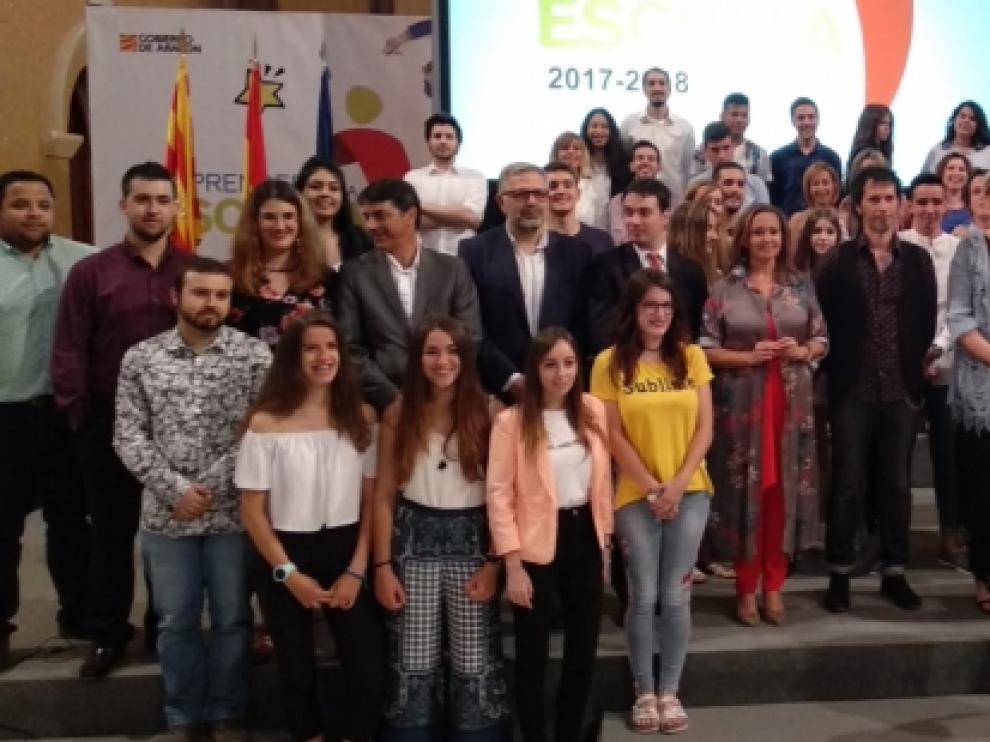 Foto tras los Premios Emprender en la Escuela