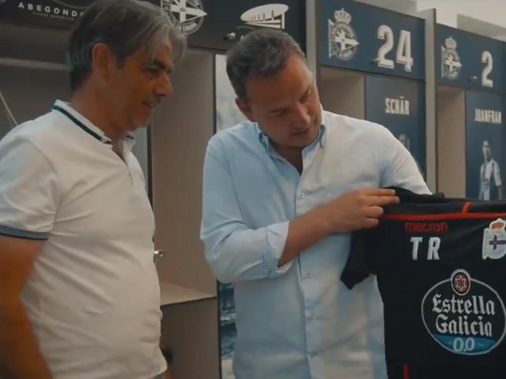 Natxo González, presentado con el Deportivo.