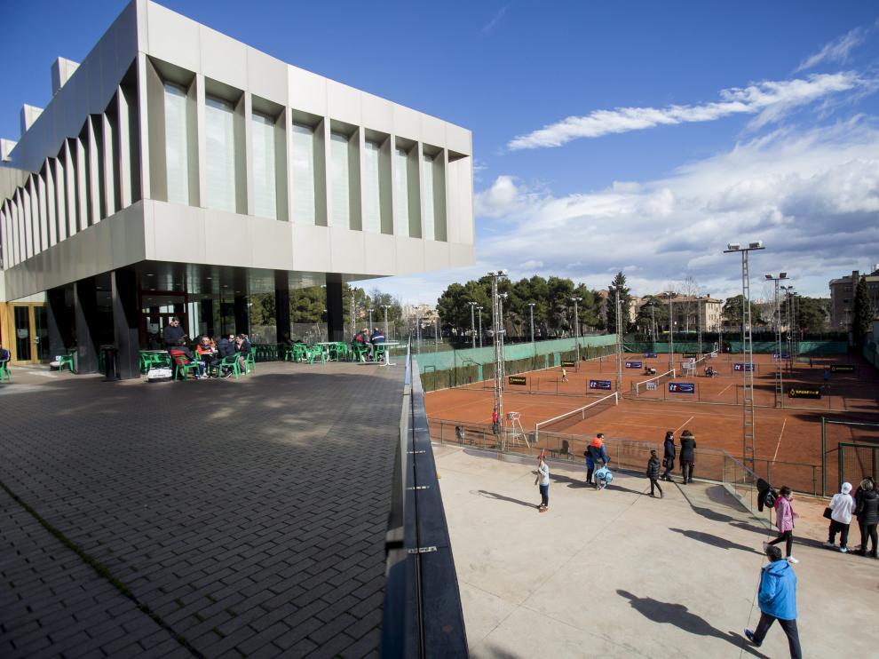 Las pistas del Stadium Casablanca acogen el Campeonato de España Júnior de tenis.