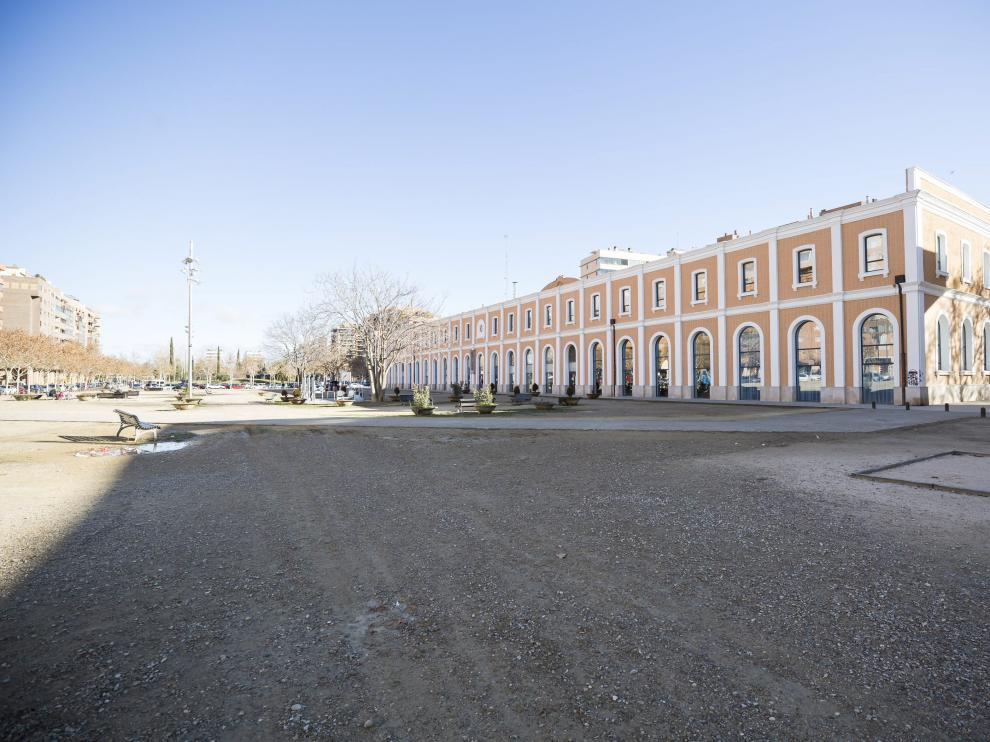 Vista de la explanada junto a la estación del Norte, donde el gobierno de ZEC quiere trasladar el mercadillo ambulante los miércoles.
