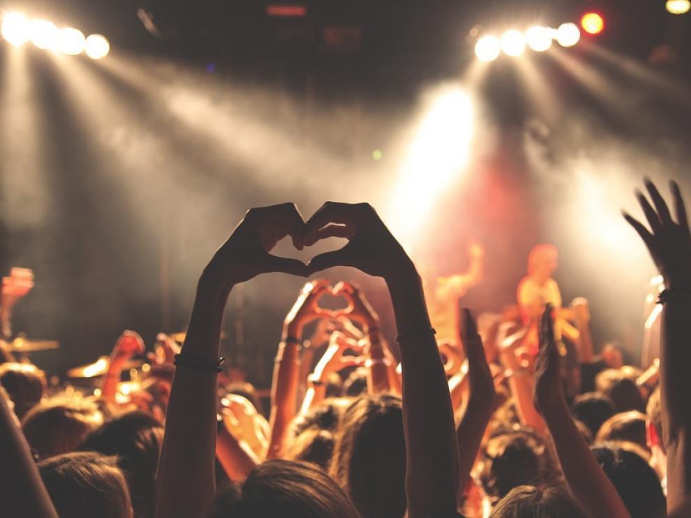 Los conciertos y giras son la principal fuente de ingresos de los músicos.