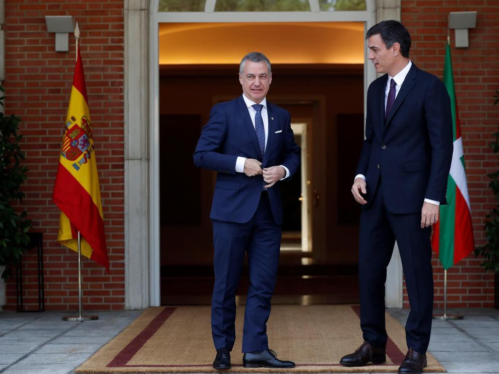 Iñigo Urkullu y Pedro Sánchez, durante su reunión del lunes en la Moncloa.