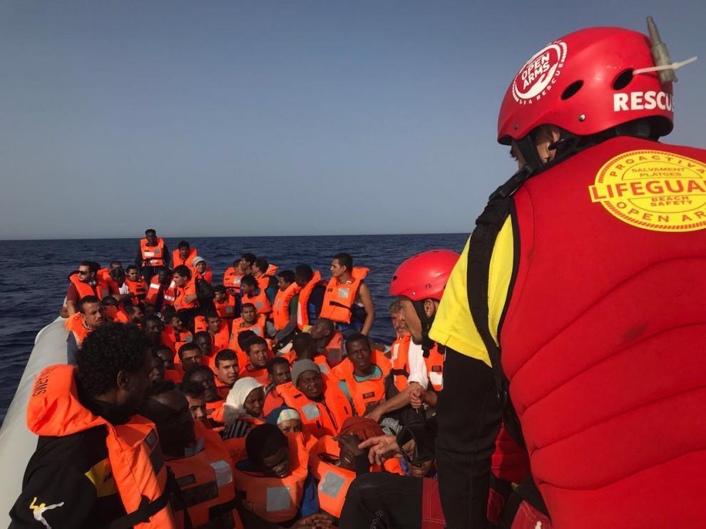 Momento del rescate en el Mediterráneo