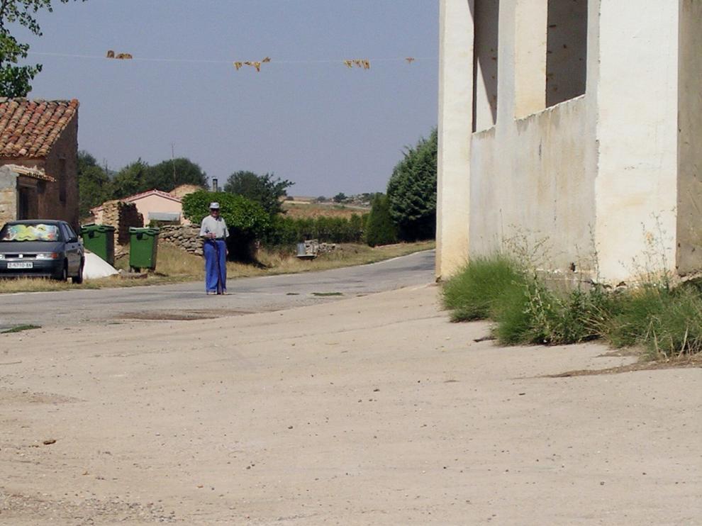 Una calle de Allueva.