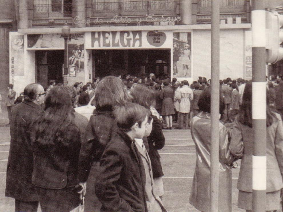 Helga en un cine de Barcelona