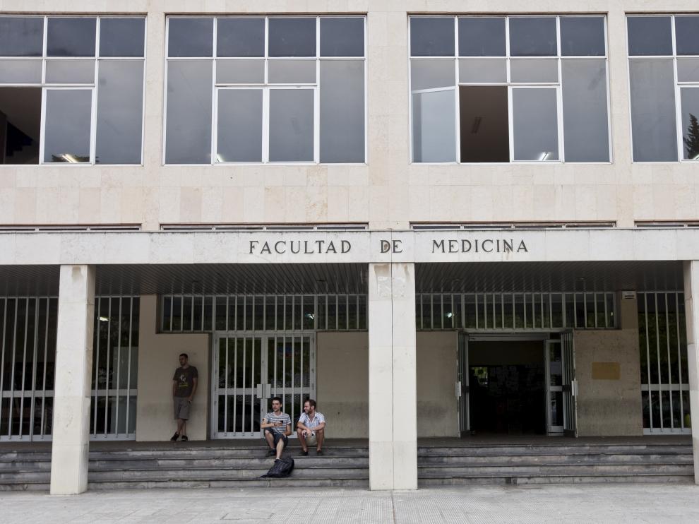 Facultad de Medicina del campus de San Francisco de Zaragoza.