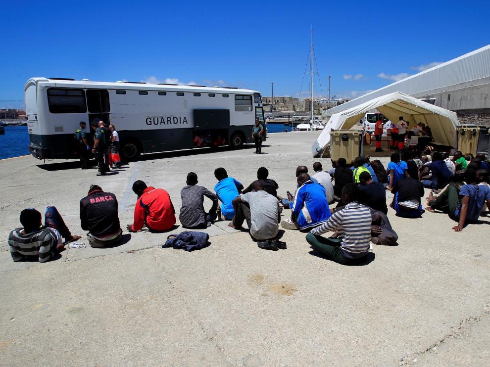 Algunos de los inmigrantes llegados este miércoles a Tarifa