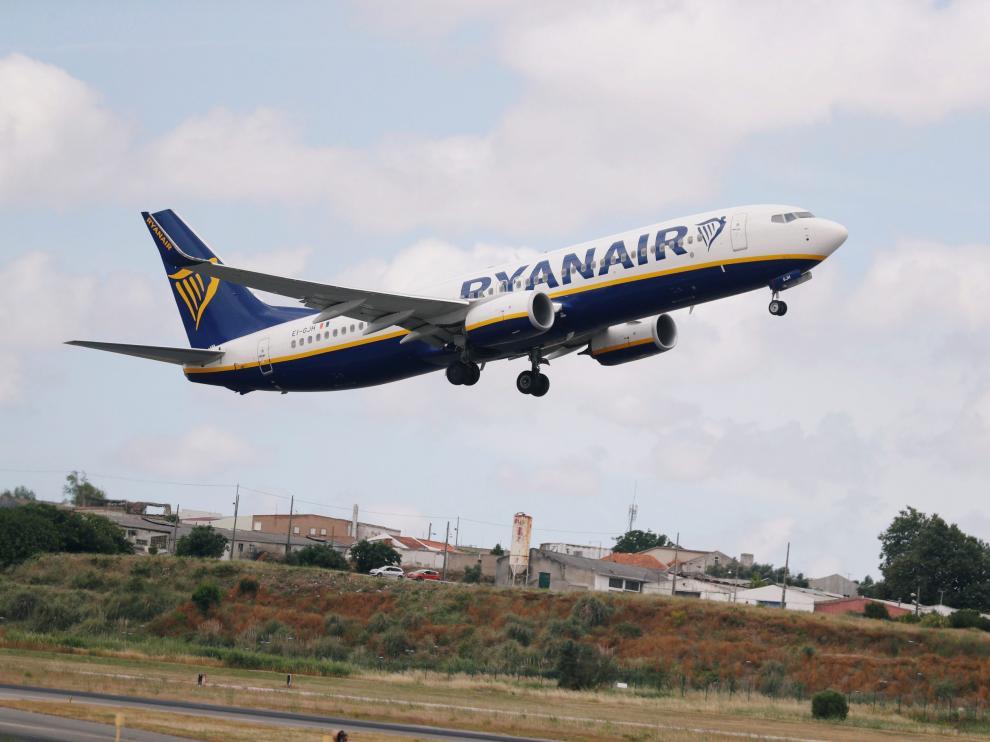 Los tripulantes de cabina de Ryanair han convocado una huelga los días 25 y 26  de julio.