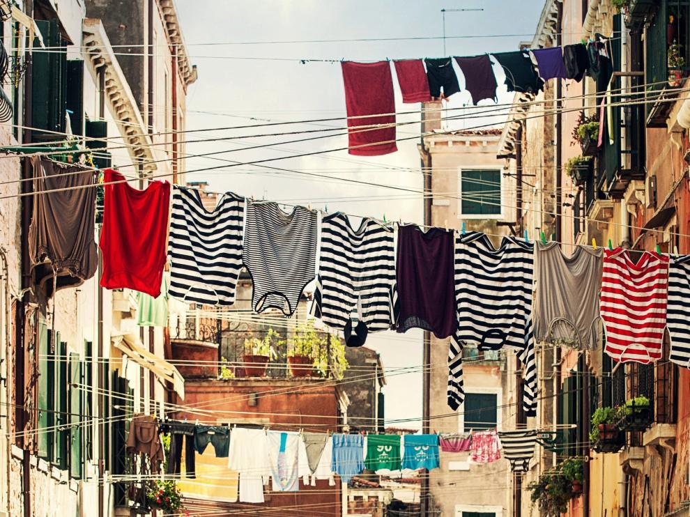 Bienvenida independencia: cómo poner una lavadora sin sustos