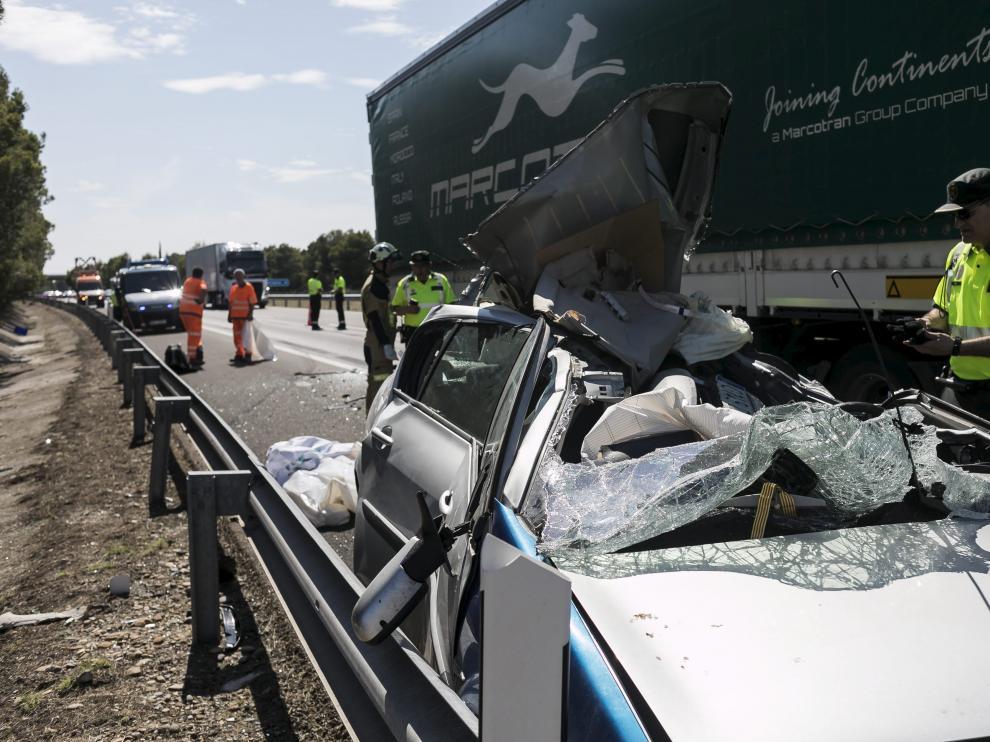 El viernes se produjo otro accidente mortal junto al peaje de la AP-2 en Pina de Ebro.