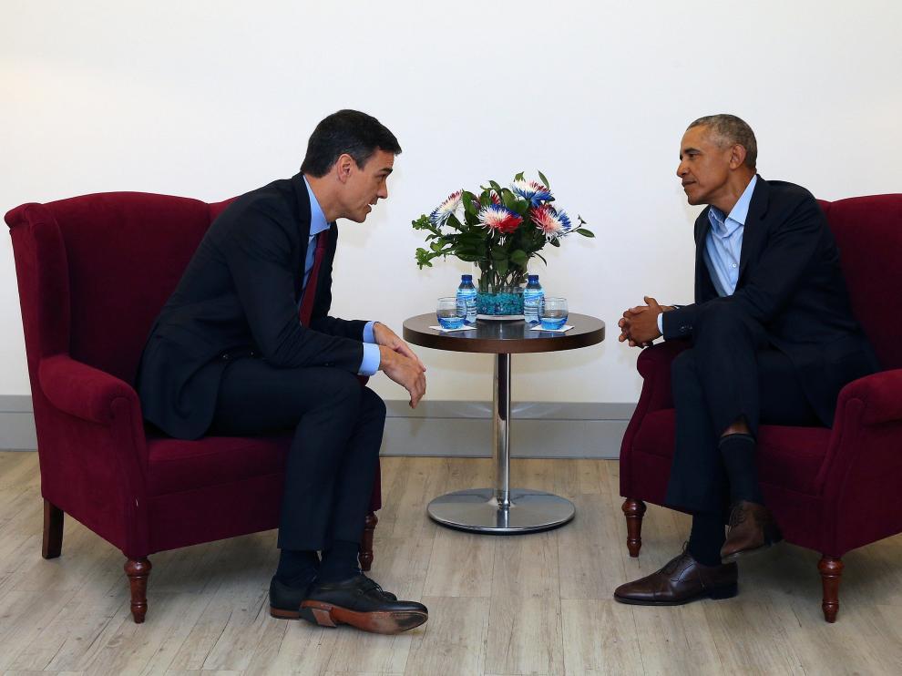 Pedro Sánchez tuvo un encuentro con el expresidente de Estados Unidos Barack Obama en un hotel de Madrid.