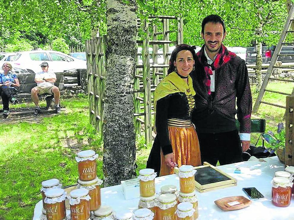 Gonzalo Ferrer y su mujer, Isabel, en una de las últimas ferias a las que han acudido.