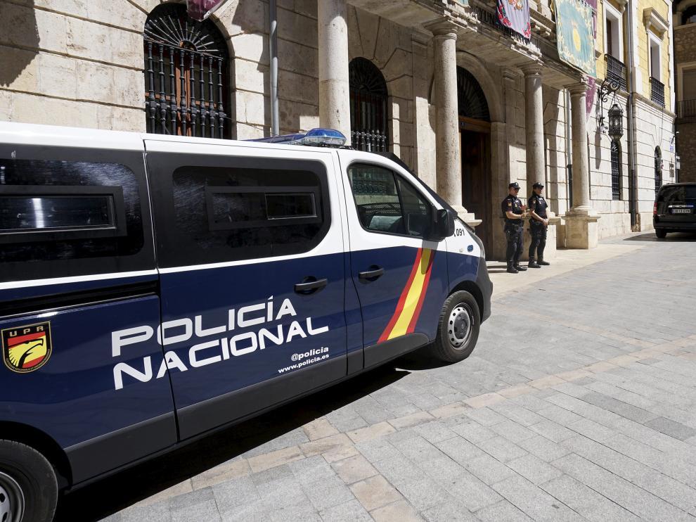 Registro del Ayuntamiento de Teruel por parte de la Policía Nacional en el marco de la operación Enredadera