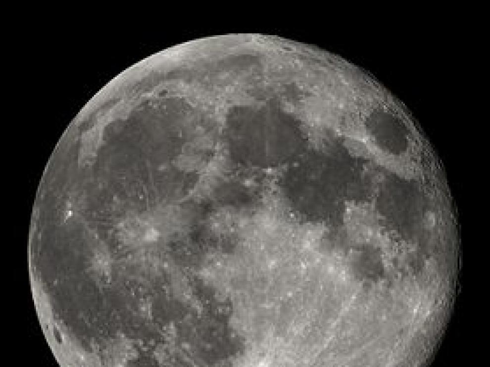 Las piedras se obtuvieron durante la misión rusa no tripulada Luna-16, que volvió del espacio en 1970.