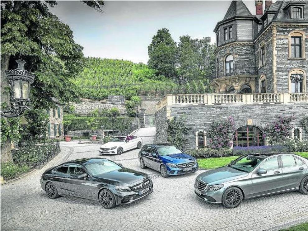 Uno de los secretos del éxito de la Clase C es su variada gama, que incluye versiones berlina, familiar, cupé y cabrio.
