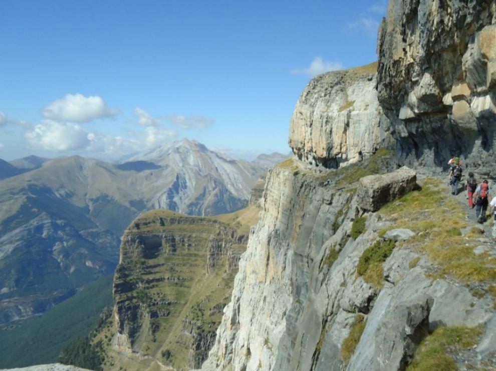 Vertiginosa excursión por la faja de las Flores, solo apta para público con experiencia en montaña