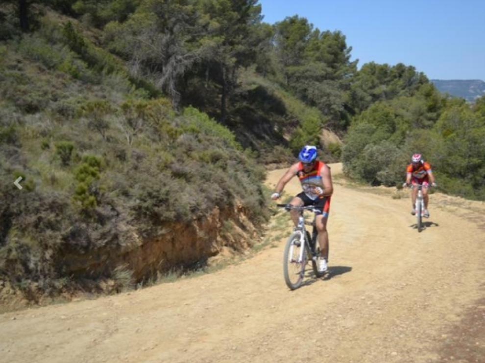 Dos 'bikers', en una de las últimas ediciones de la prueba