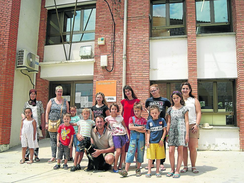 El colegio pasará el curso que viene de los once alumnos de la foto a cinco.
