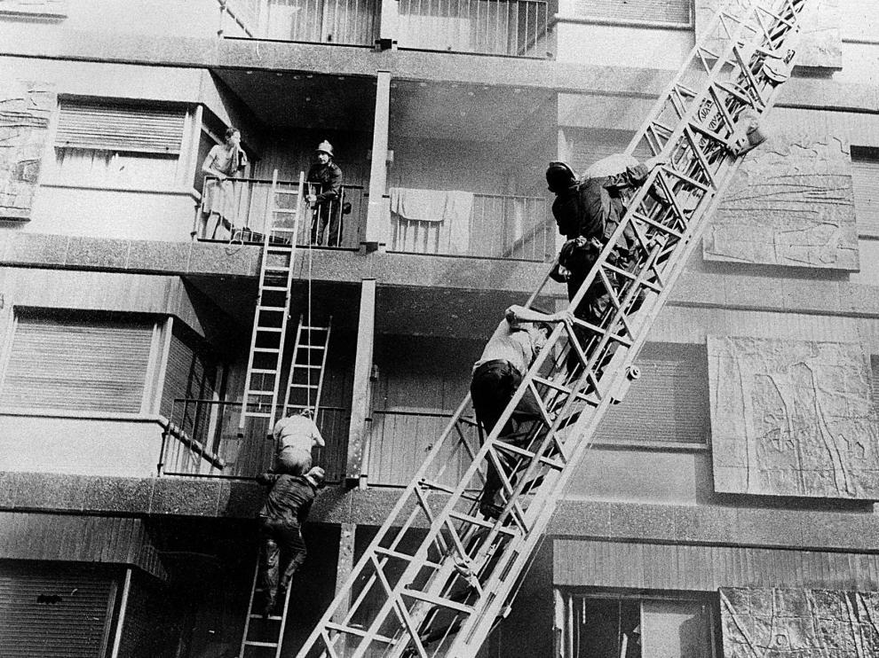 Imagen de archivo del incendio del hotel Corona de Aragón en 1979.