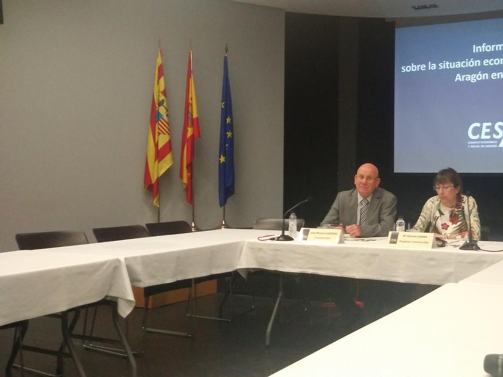 José Manuel Lasierra y Dolores Gadea, en rueda de prensa