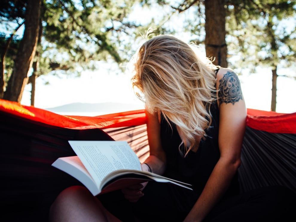 El verano siempre es un buen momento para lanzarte a la lectura.