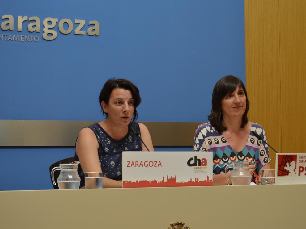 Las concejalas Leticia Crespo y Lola Ranera durante su rueda de prensa de esta mañana.