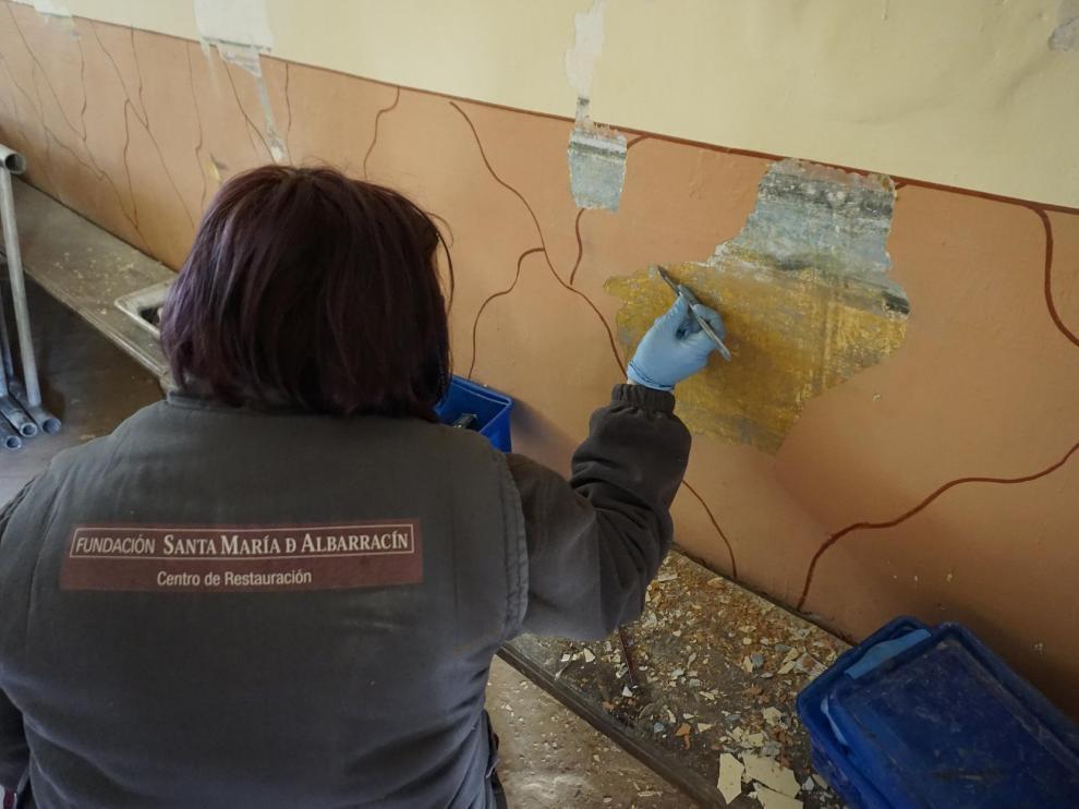 Labores de recuperación de la ermita del Carmen, por la Fundación Santa María de Albarracín.