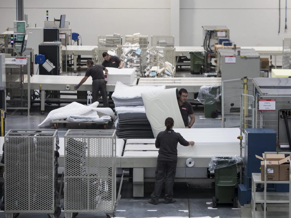 Trabajadores de la planta de Pikolin.