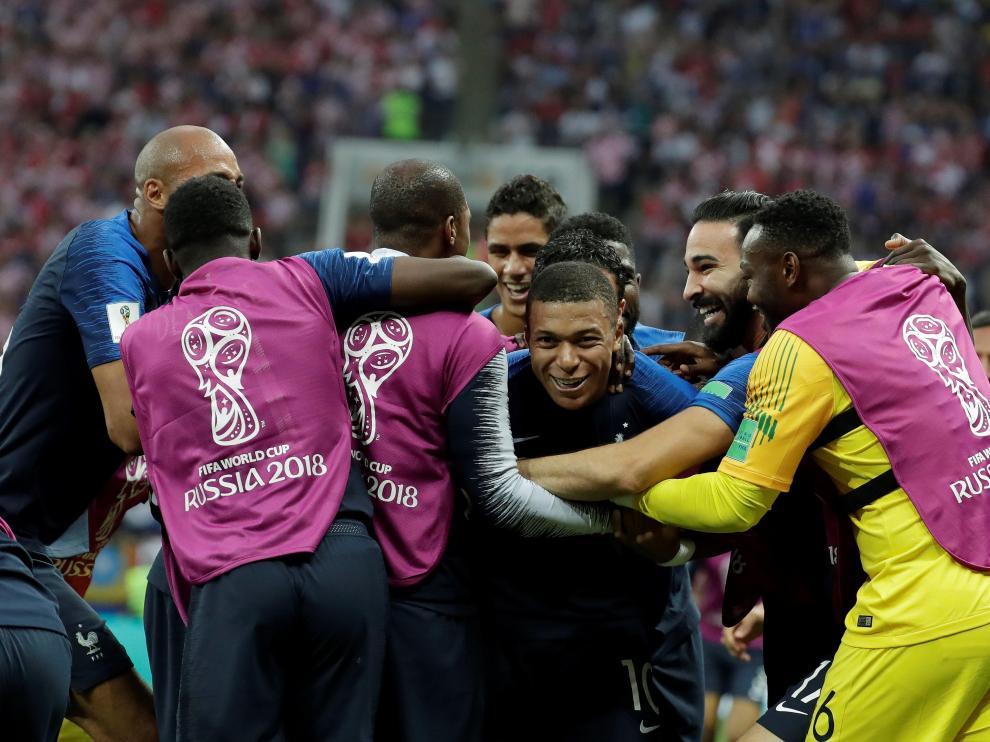 Francia derrota a Croacia y gana su segundo Mundial.