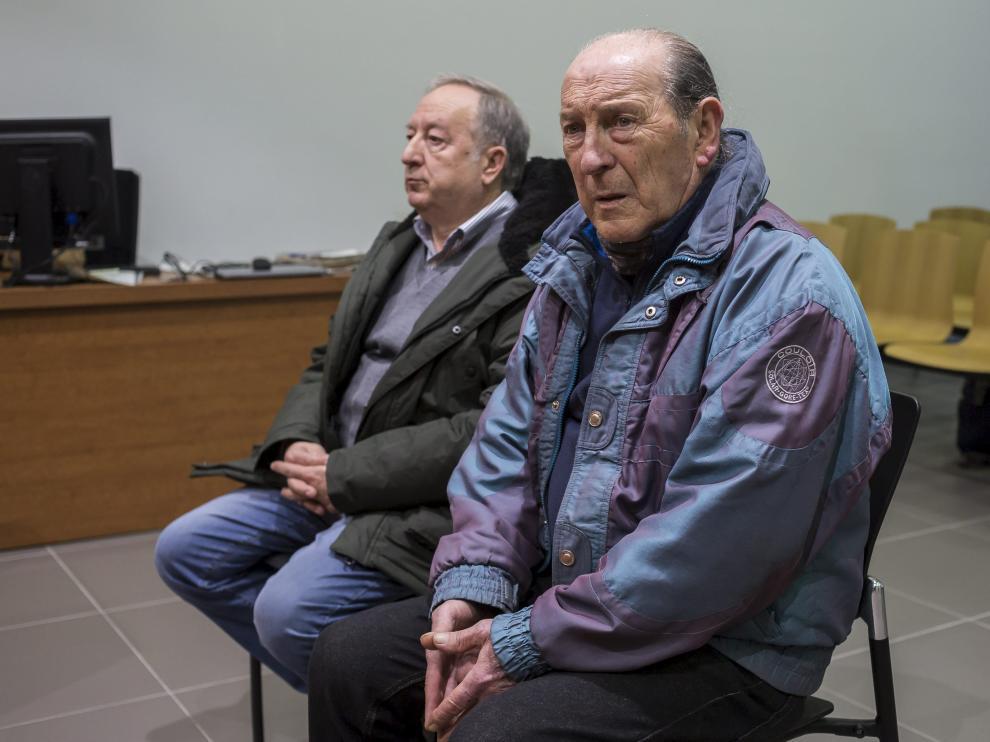 Los dos acusados, en la Audiencia Provincial de Zaragoza cuando se celebró el juicio