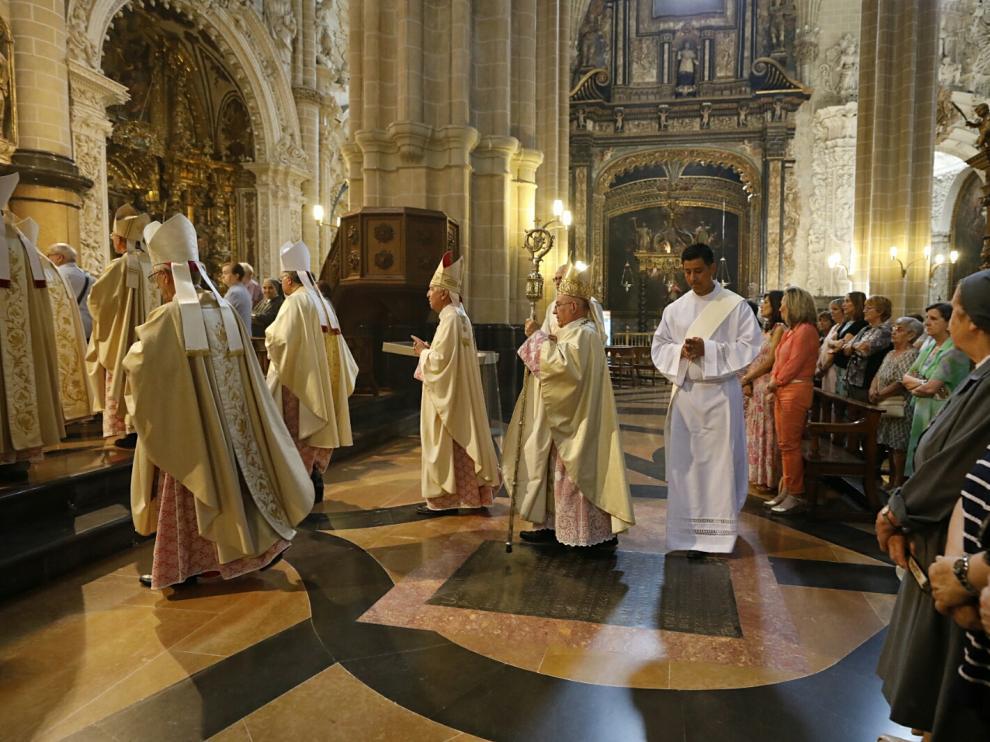 Misa estacional celebrada por el arzobispo de Zaragoza.