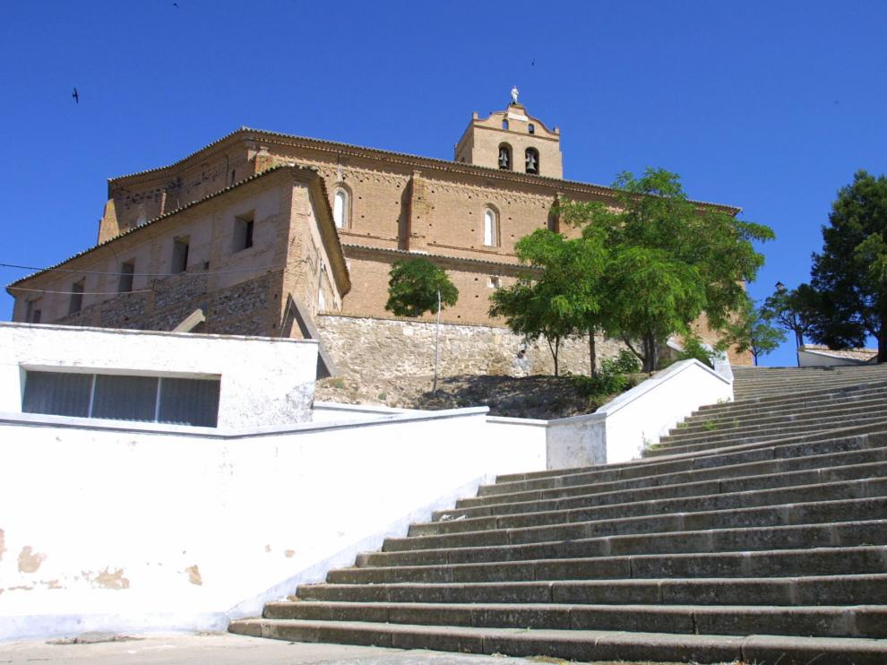 "Un rayo ""decapita"" la estatua del Corazón de Jesús de la iglesia de San Lorenzo de Magallón"
