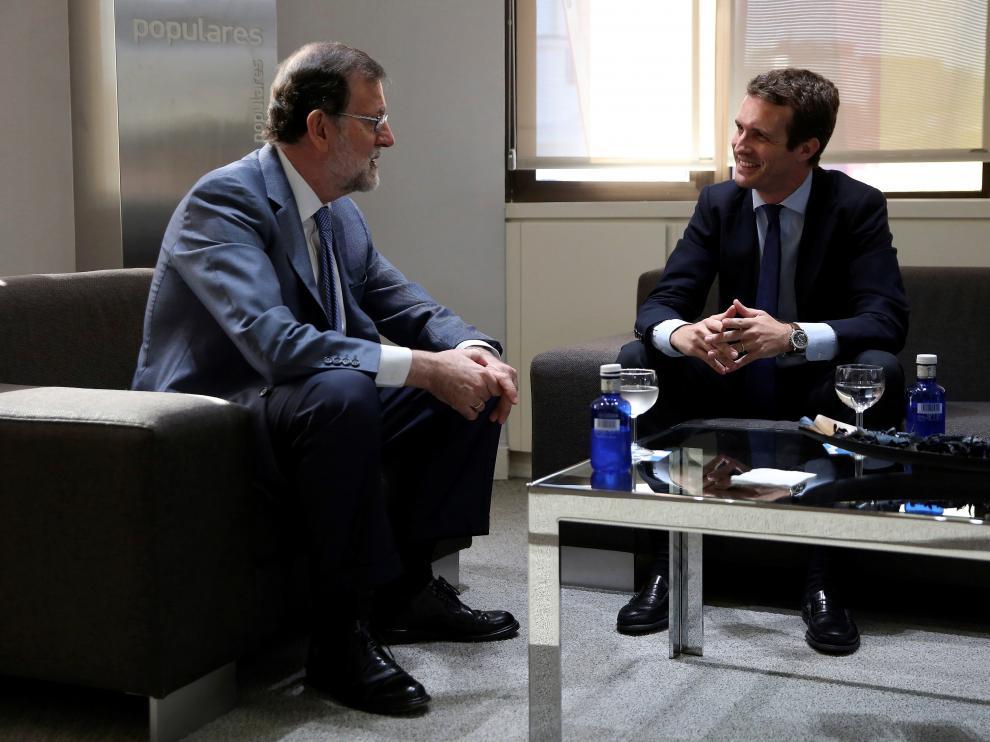 Mariano Rajoy y Pablo Casado han mantenido su primera reunión en la sede del PP