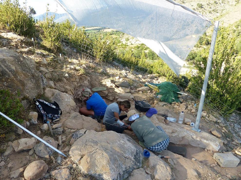 Trabajos arqueológicos que se desarrollan este mes de julio en Roca San Miguel.